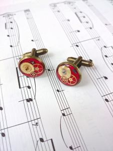 These are bloody lovely steampunk cufflinks indeed!