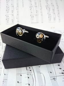 Yes, steampunk cufflinks even come with their own boxes!